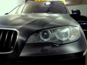 оклейка карбоном BMW